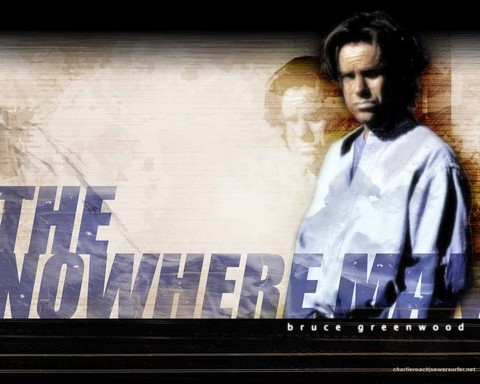nowhere man, l'homme de nulle part, bruce greenwood, conspiration, x-files, the prisoner, les envahisseurs, histoire des séries américaines, dean stockwell, carrie-ann moss, maria bello, megan gallagher, mark snow