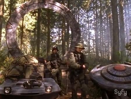 STARGATE SG-1, science-fiction, richard dean anderson, amanda tapping, michael shanks, christopher judge, général hammond, jack o'neill, daniel jackson, samantha carter, teryl rothery, dr janet frasier, star trek