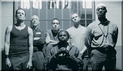 OZ, drama philosophique, prison, univers carcéral, histoire des séries américaines