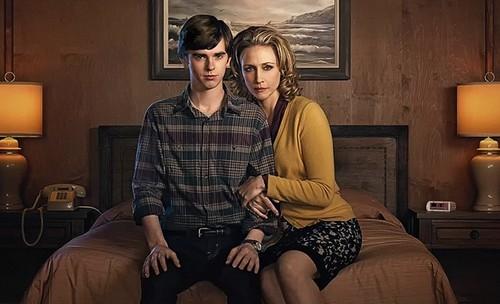 bates motel, vera farmiga, norma bates, norman bates, epouvante, horreur, american horror story, histoire des séries américaines
